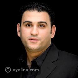 فيديو أكرم حسني في موقف محرج على الهواء بسبب زوجته: شاهدوا ما حدث