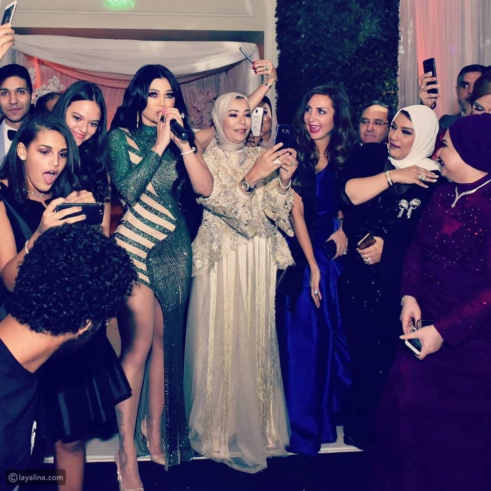 رقص هيفاء وهبي يشعل الأجواء في إحدى حفلات الزفاف